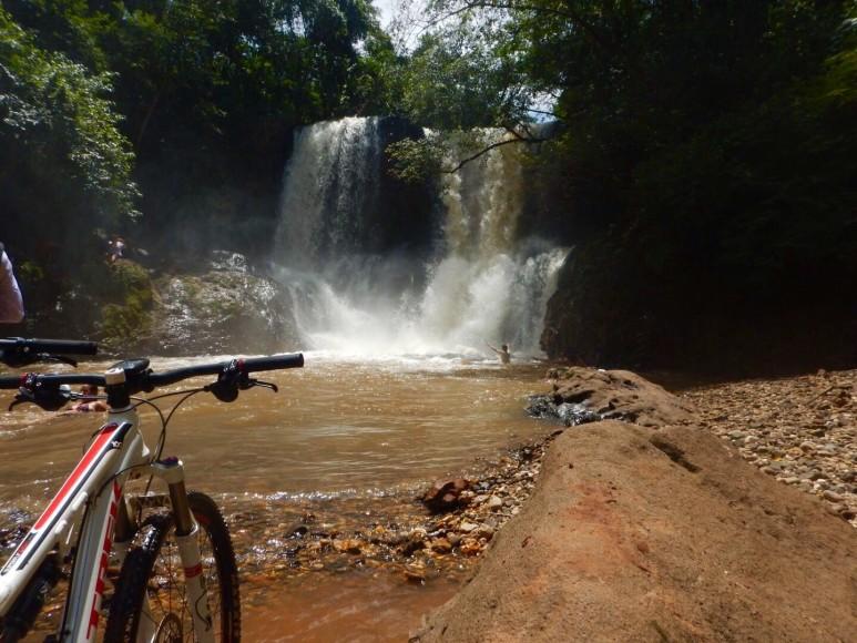 Cachoeira 2 quedas